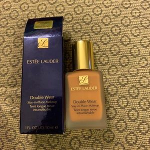 Estée Lauder DoubleWear Foundation Amber Honey 5N2